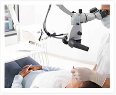 顕微鏡を利用した治療